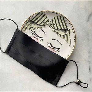 2 x 100% Silk Face Mask to prevent Maskne- Black
